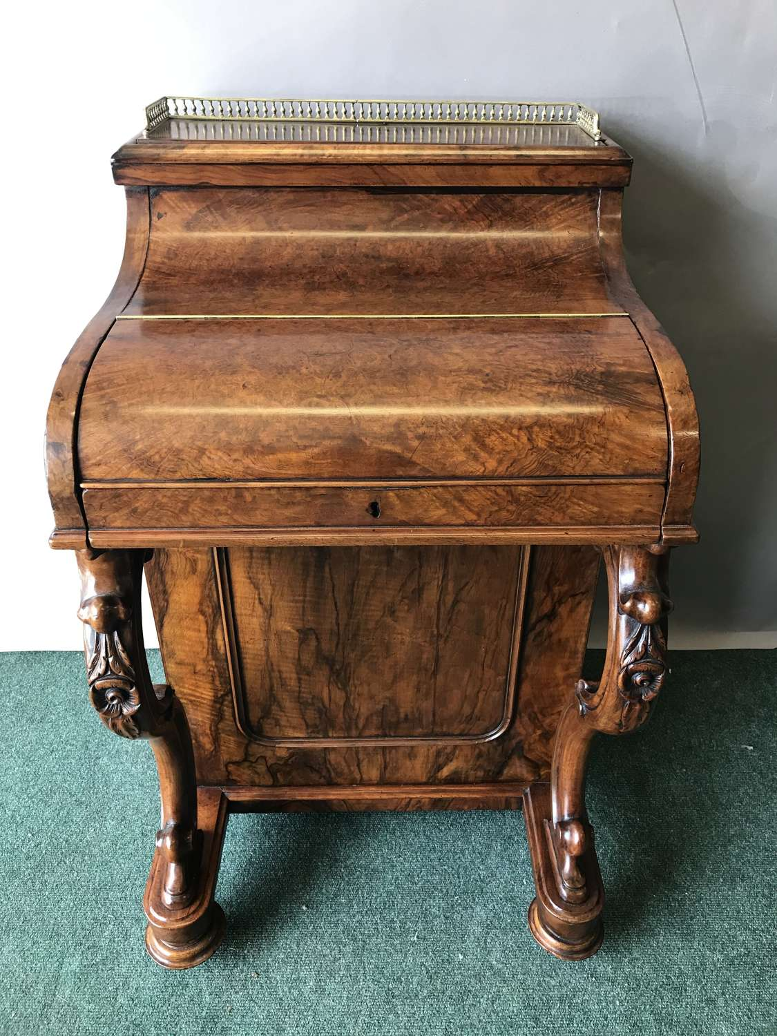Victorian pop-up burr walnut Davenport